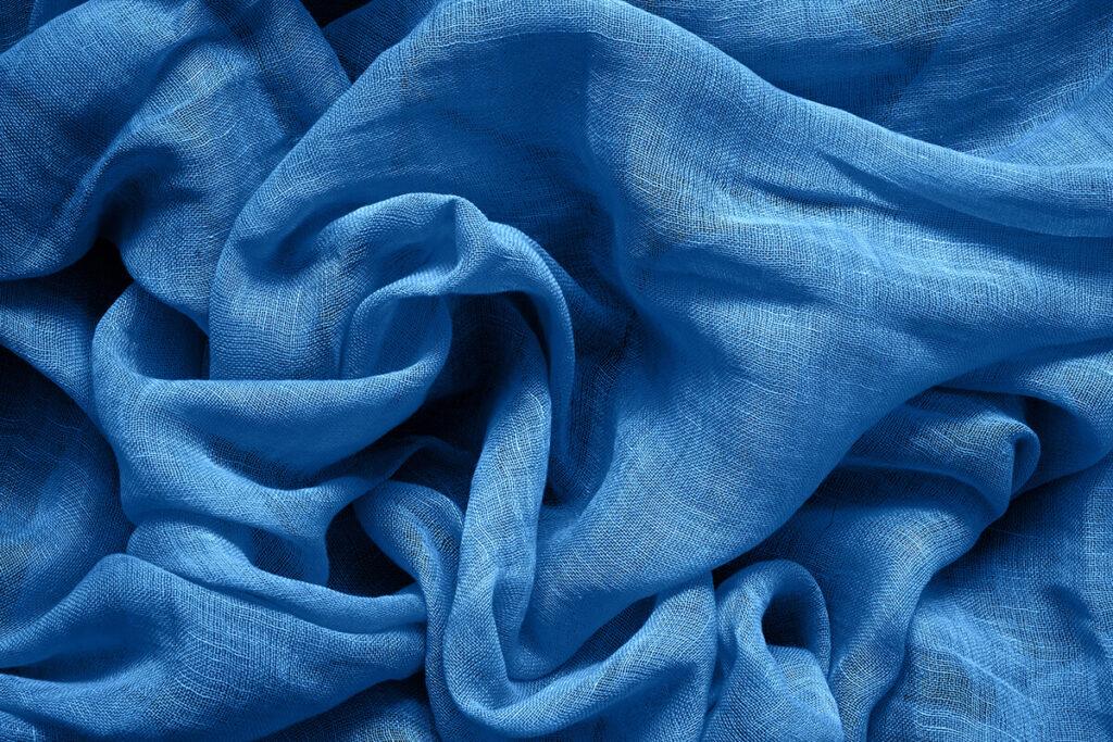 zu sehen ist ein blaues Tuch